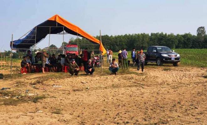 Đang tìm kiếm 2 người đàn ông mất tích trên sông Lam - 1