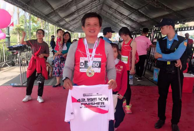 Sau khi thôi việc, ông Đoàn Ngọc Hải chạy marathon và đoạt huy chương - 1