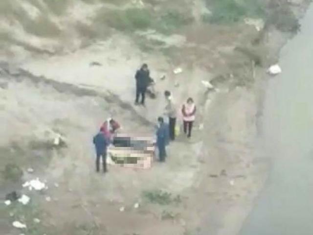 Xót xa phát hiện thi thể hai cha con dưới chân cầu