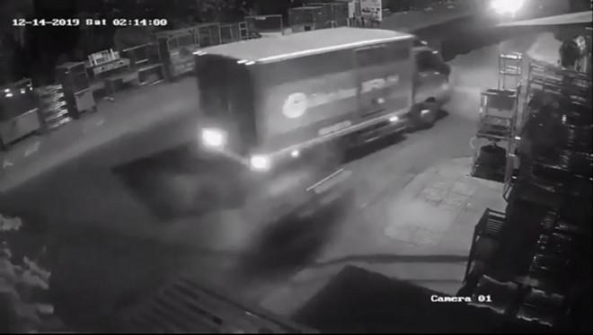 Thực hư thông tin cướp giật lao vào xe tải tử vong ở Tân Phú - 1