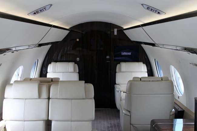 Người mua có thể lựa chọn tùy chỉnh 12 thiết kế khoang khác nhau, và có thể thay đổi một phần hình ảnh bên ngoài của máy bay.