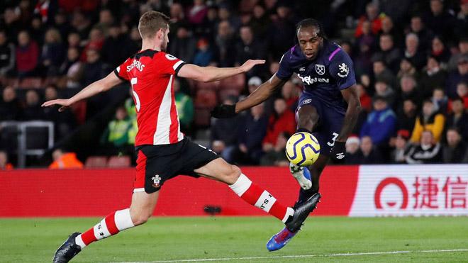 Video highlight trận Southampton - West Ham: Đôi công hấp dẫn, tâm điểm trọng tài - 1