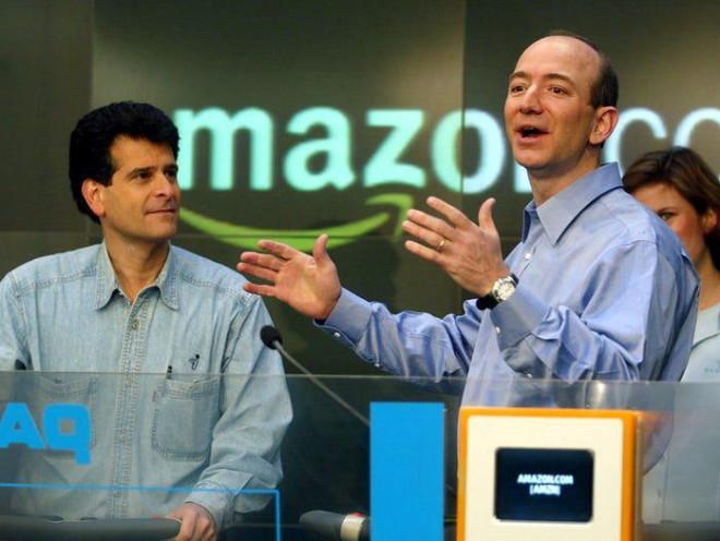 """10 năm Jeff Bezos, ông trùm đế chế Amazon: Sự nghiệp, tình ái, """"đầu hói"""" và vinh quang - 1"""