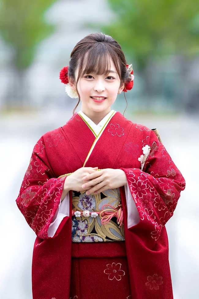 Hoa khôi mới của các trường đại học Nhật Bản đã lộ diện, và đây hoàn toàn không phải một nàng chân dài.