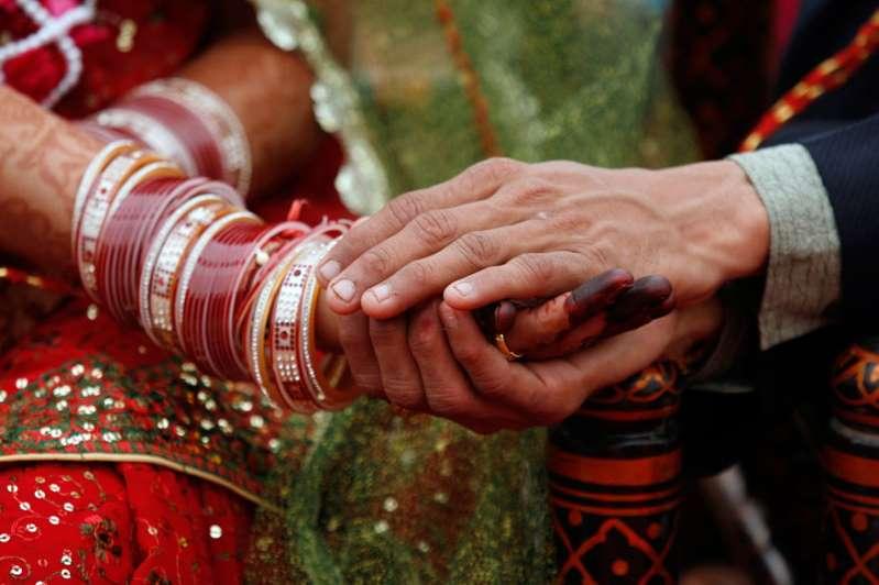 Đến đám cưới muộn, chú rể mất luôn cô dâu vào tay người khác - 1