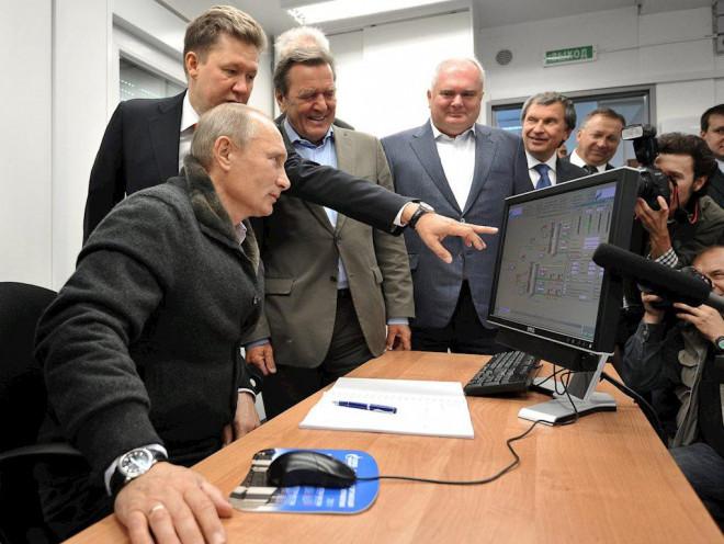 Tổng thống Putin vẫn đang dùng máy tính chạy Windows XP - 1