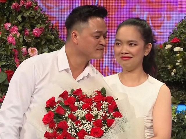 Giám đốc từng ghép đôi với cô gái đòi chu cấp đi châu Âu bất ngờ lấy vợ