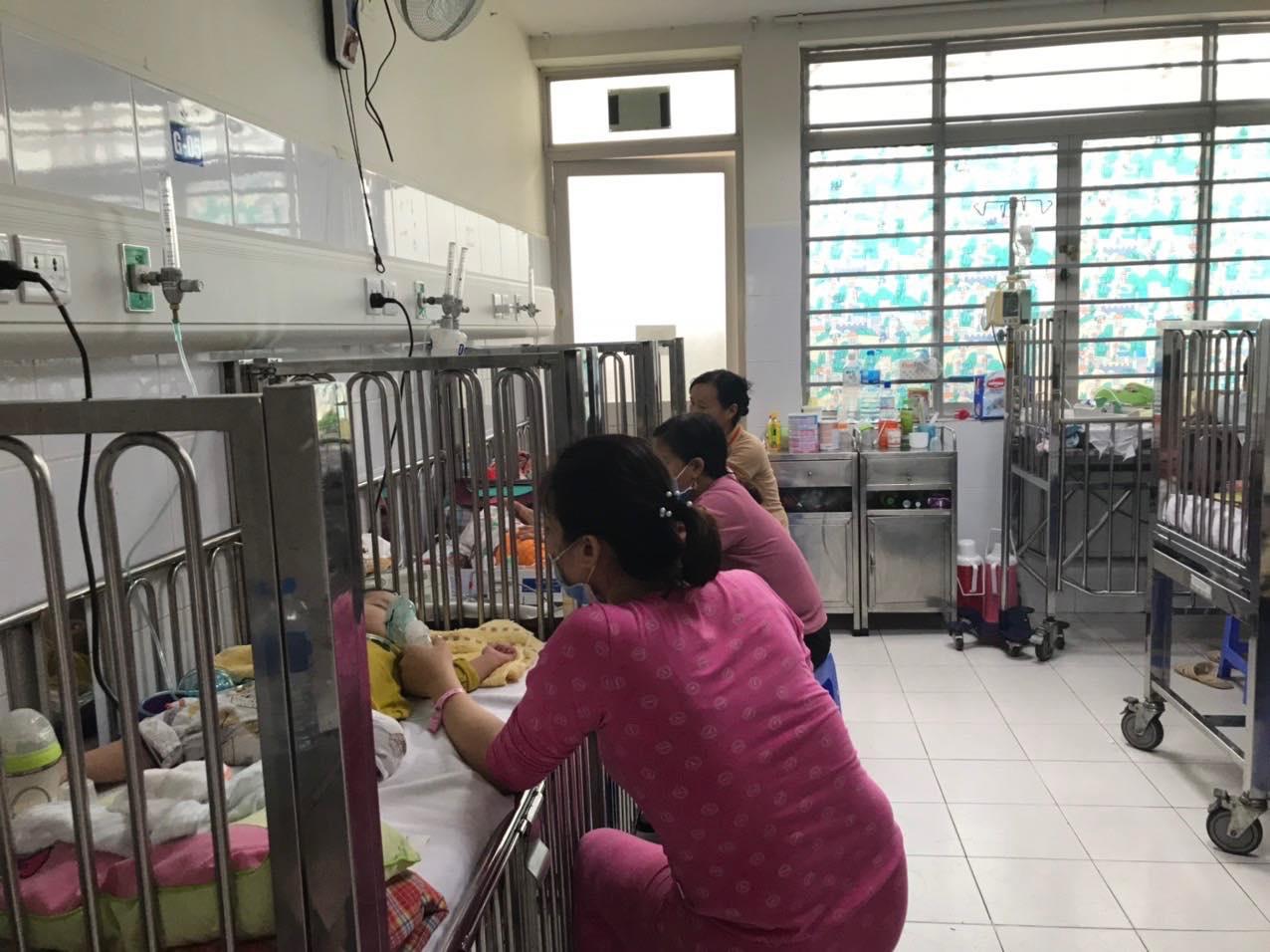 Người dân săn lùng mua thuốc Tamiflu để chữa cúm A: Bộ Y tế nói gì? - 1