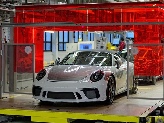 Porsche xuất xưởng chiếc 911 Speedster cuối cùng, ngừng sản xuất dòng xe thế hệ cũ