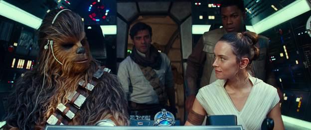 """Bom tấn """"Skywalker Trỗi Dậy"""" thu hơn 370 triệu USD trước khi chiếu tại VN - 1"""