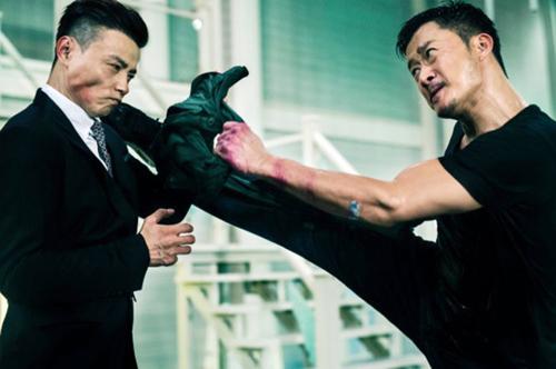 """Ngô Kinh bắt tay """"Lý Tiểu Long"""" Thái Lan đánh bại sát thủ - 1"""