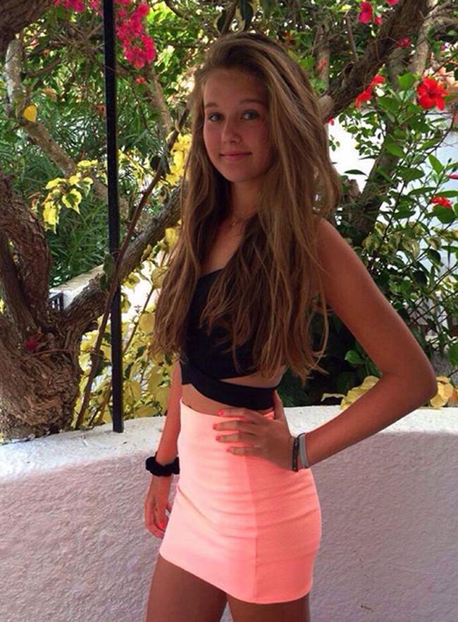 Đầu năm 2019, Scarlett Hutchinson tay vợt mới 17 tuổi người Anh là cái tên gây sốt mạng xã hội nhờ sở hữu vẻ đẹp xuất chúng.