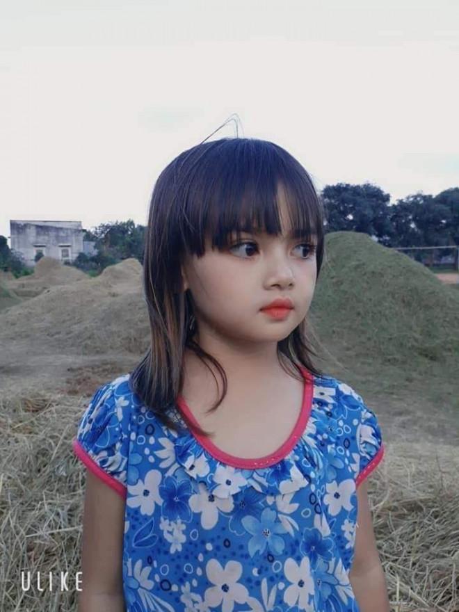 """Cô bé người Ba Na xinh đẹp ở Gia Lai khiến dân mạng trầm trồ: """"Hoa hậu tương lai đây rồi!"""" - 1"""
