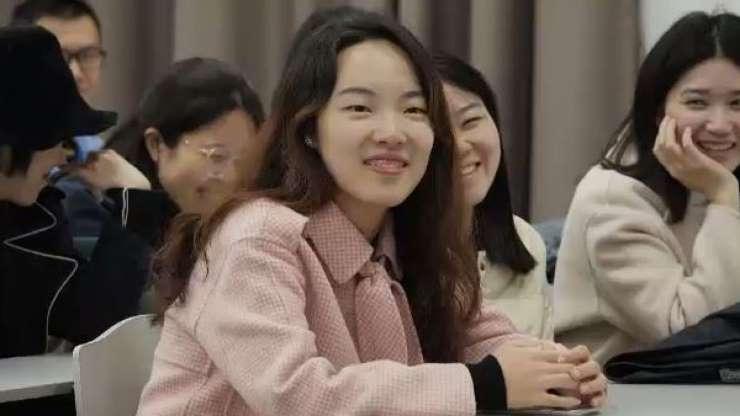 """Trào lưu """"lớp học tỏ tình"""" gây sốt tại Trung Quốc - 1"""