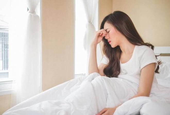 Những thói quen buổi sáng hại gan thận, giảm cả chục năm tuổi thọ - 1