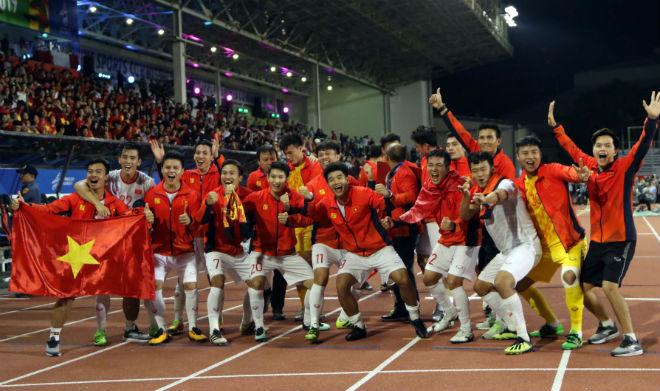 U23 Việt Nam đá giải U23 châu Á: Hừng hực tranh vé Olympic, xem video trên 24h.com.vn - 1