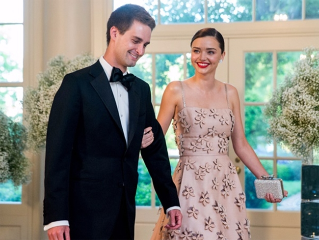 Miranda Kerr hiện có cuộc sống hạnh phúc bên chồng tỷ phú công nghệ Evan Spiegel. Evan Spiegellà tỷ phú công nghệ trẻ nhất thế giới vớitài sảnhiện tại ước tính khoảng 3,4 tỷ USD.