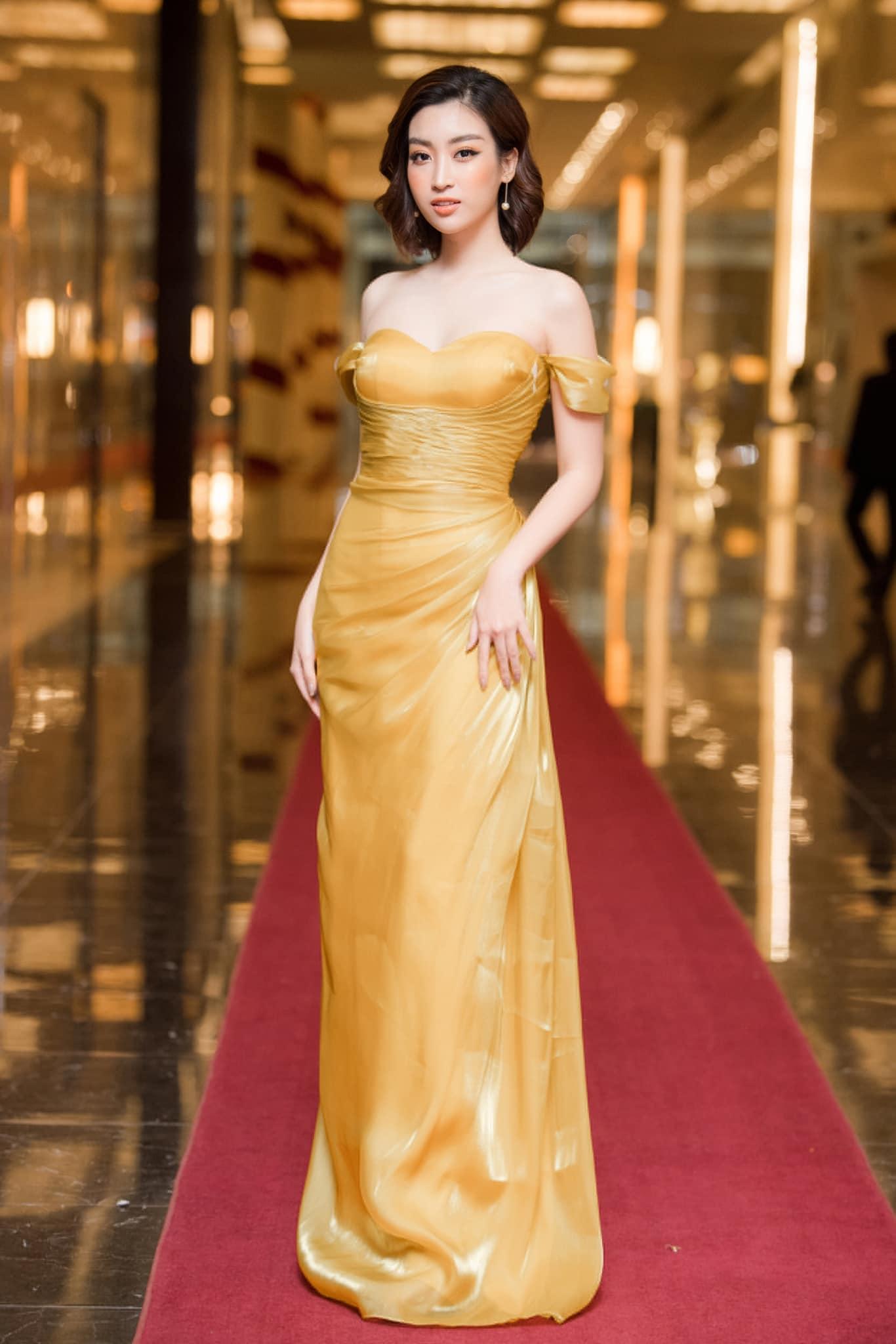 Đỗ Mỹ Linh: Nàng hoa hậu có gu thời trang thanh nhã nhất năm - 1