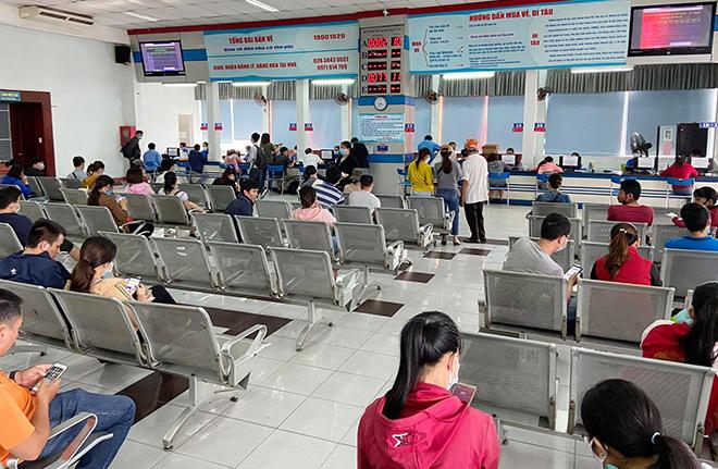 Hình ảnh bất ngờ ở ga Sài Gòn trong ngày đầu bán vé tàu Tết Tân Sửu 2021 - 1