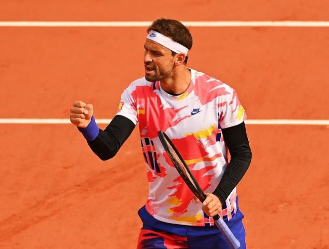 """Roland Garros ngày 5: """"Tiểu Federer"""" và Tsitsipas thẳng tiến vào vòng 3 - 1"""