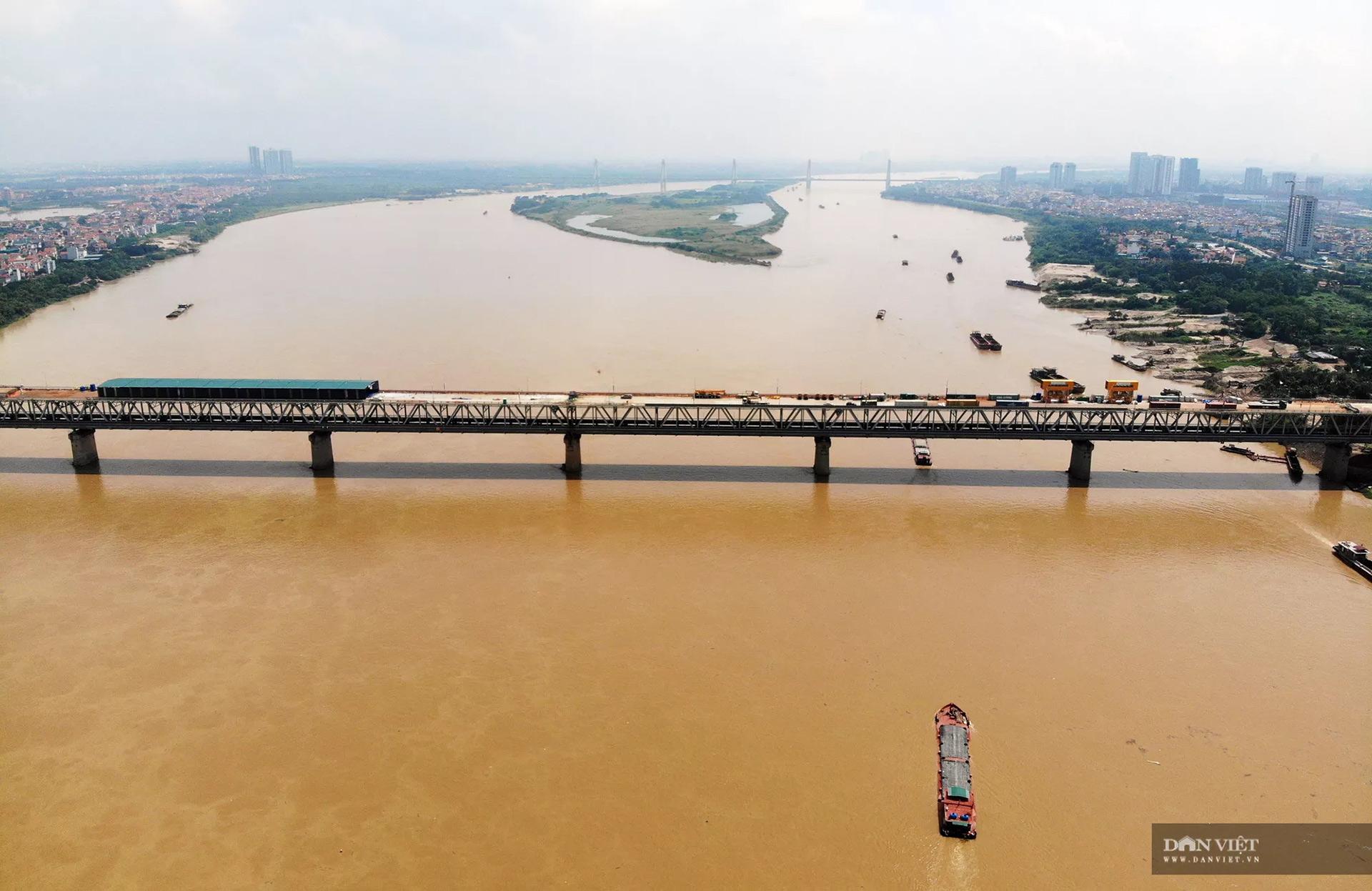 Emagazine: Ngày đêm hàn 1,5 triệu chiếc đinh lên mặt cầu Thăng Long - 18