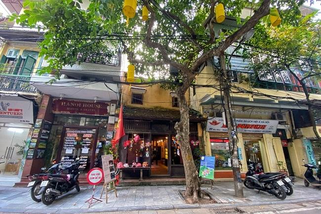 Nhà cổ số 87 Mã Mây (Hàng Buồm, Hoàn Kiếm) là một trong 14 ngôi nhà cổ đặc trưng ở Hà Nội. Nhà được xây dựng khoảng cuối thế kỷ 19 theo kiểu kiến trúc nhàtruyền thống của Việt Nam với chức năng sử dụng để ở và buôn bán.