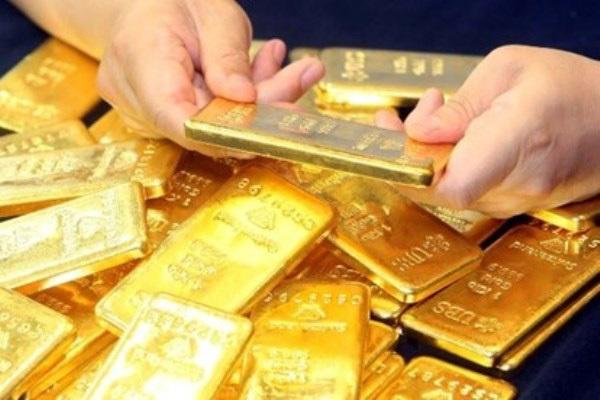 """Giá vàng hôm nay 4/10: Ông Trump """"dính"""" Covid-19, giá vàng sắp tới đi về đâu? - 1"""