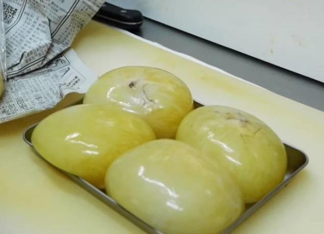 Những túi trứng này từng bị bỏ đi ở TQ nhưng lại thành món khoái khẩu tại Nhật - 1