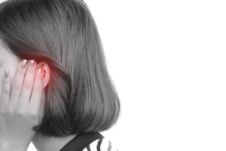 Nếu đang bị ù tai kéo dài, bạn chớ dại bỏ qua 5 thực phẩm này - 1