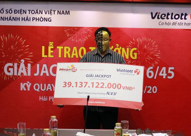Trúng Jackpot hơn 39 tỉ nhờ quyết tâm... cai thuốc lá - 1