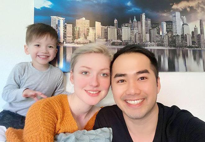 Làm bạn gái mang bầu ở tuổi 19, chàng trai Việt cưới được vợ Tây xinh như thiên thần - 2