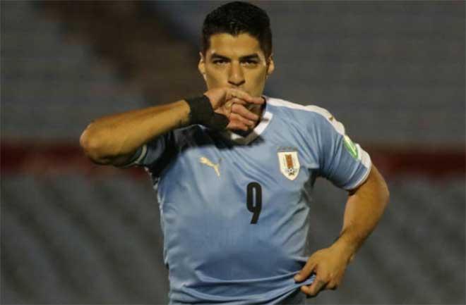 """Video highlight trận Uruguay - Chile: Suarez & Sanchez """"đấu súng"""", dự bị xuất thần phút 90+3 - 1"""