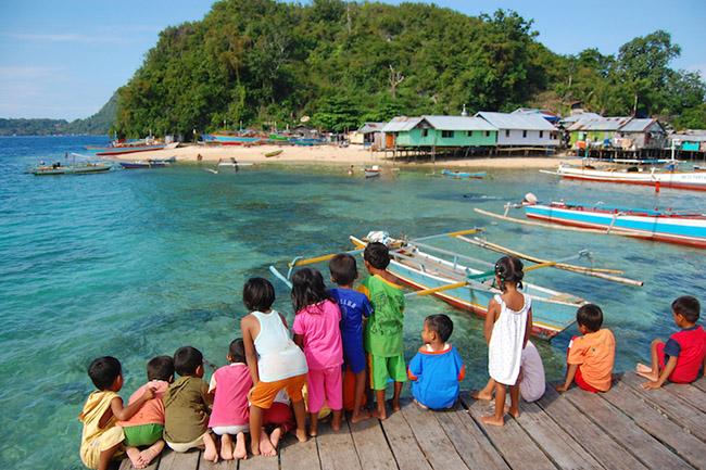 Jayapura: Với khung cảnh tuyệt đẹp giữa những ngọn đồi rợp bóng cây, Jayapura là thành phố Indonesia lớn nhất và quan trọng nhất trên Papua.
