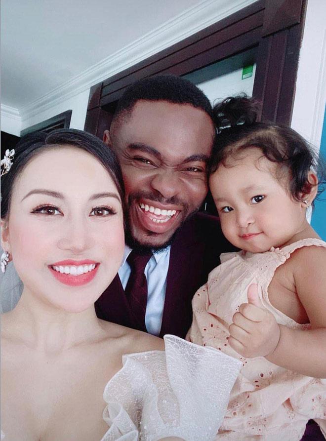 Lấy chồng châu Phi, tiểu thư Hà Nội đẹp ngất ngây trong bộ váy cưới gợi cảm - 6
