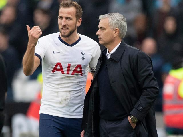 Bóng đá - Harry Kane dính tai bay vạ gió: Mourinho lo Tottenham đứt mạch thăng hoa