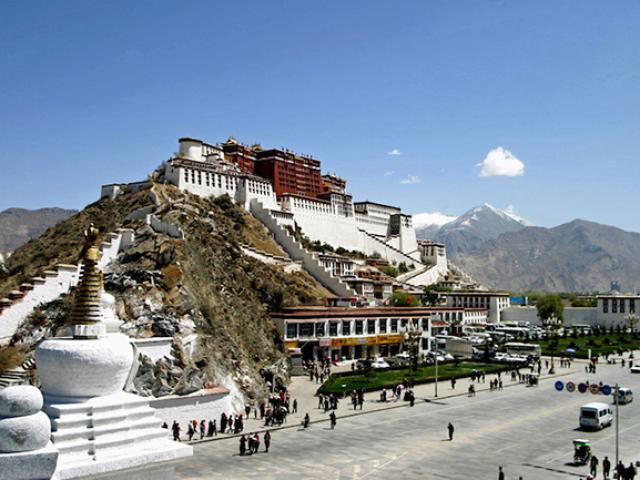 Du lịch - Có gì ở cung điện cao nhất thế giới