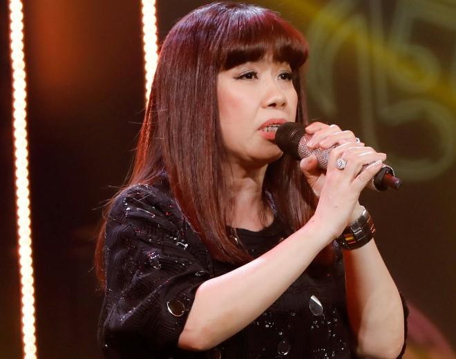 """Nữ ca sĩ bị Phương Thanh """"cướp"""" bài hit, được Hoài Linh giúp đỡ là ai? - 1"""