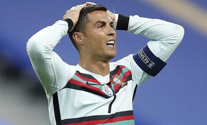 """Sau Ronaldo, siêu sao golf có nghi án """"tòm tem"""" vợ bạn cũng dính Covid-19 - 1"""