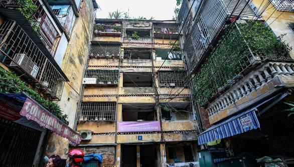 Hà Nội: Dứt điểm di dời các hộ dân ra khỏi chung cư cũ nguy hiểm - 1