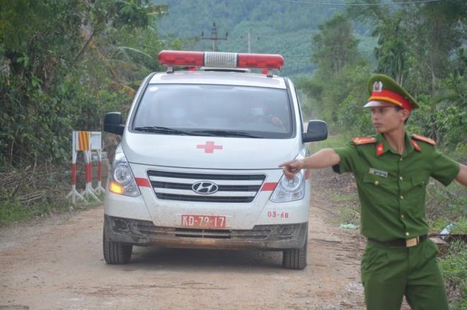 Đã tìm được thi thể chủ tịch huyện Phong Điền, là thi thể thứ 7 - 1