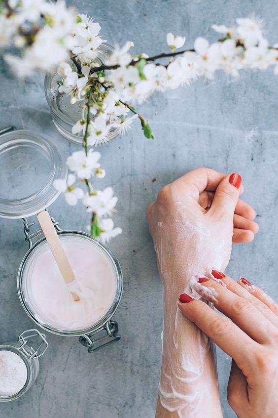 Bí quyết dùng thảo dược dưỡng trắng, chống lão hóa da - 2