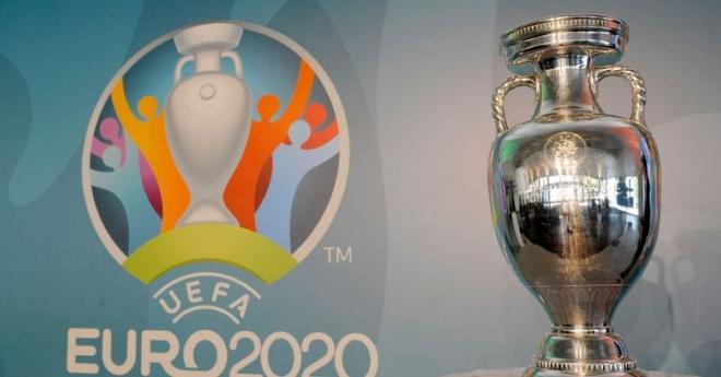 """Kế hoạch tổ chức EURO 2020 ở 12 nước sắp đổ bể, """"sếp lớn"""" tiết lộ điều gì? - 1"""