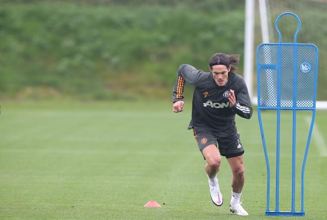 Cavani hừng hực tập buổi đầu với MU, chờ ra mắt và tái đấu PSG ở Cúp C1 - 3