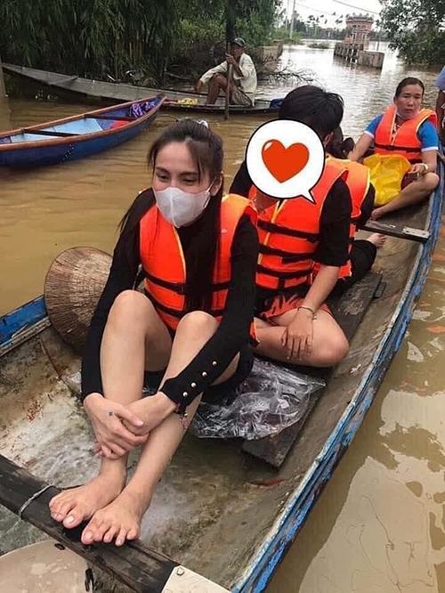 Sao Việt xót xa trước lời kêu cứu lúc nửa đêm của người dân Quảng Trị vì lũ lụt, sạt lở - 1