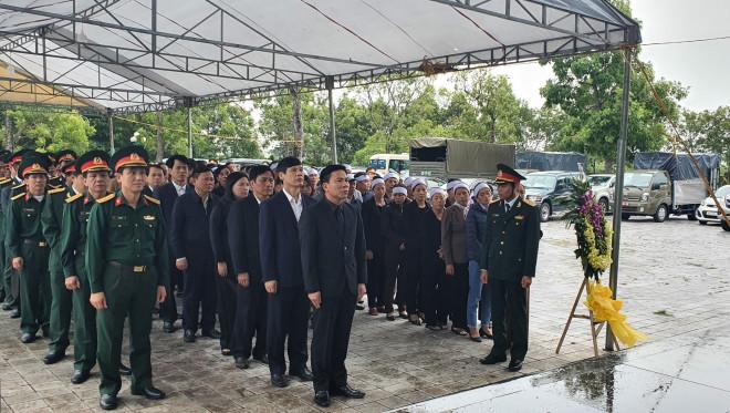 Người thân, đồng đội nghẹn ngào tiễn biệt Đại tá Hoàng Mai Vui hi sinh ở Rào Trăng 3 - 1