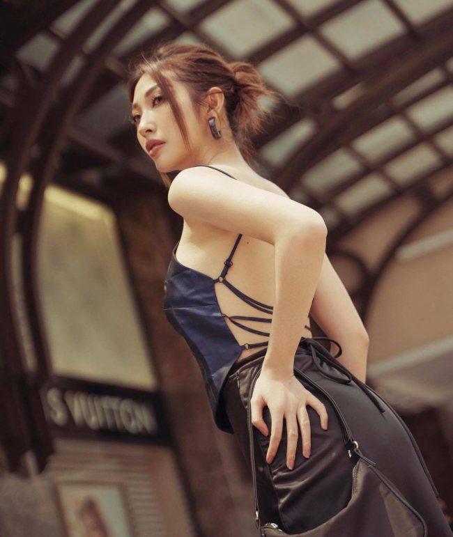 Độc thân phải đẹp: Khổng Tú Quỳnh giữ thân hình nảy nở quyến rũ nhờ điều này - 1