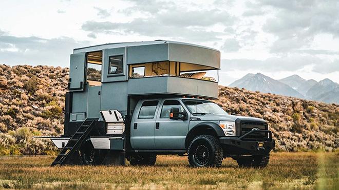 Ngôi nhà di động Ford F-550 giấc mơ của các phượt thủ, giá hơn 5,7 tỷ đồng - 1