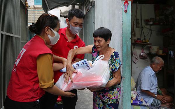 Người trẻ Việt chung tay tiếp thêm sự tích cực vượt sóng đại dịch - 1