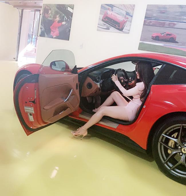 Gia đình nữ tỷ phú sở hữu bộ sưu tập xe sang, siêu xe đáng ngưỡng mộ.