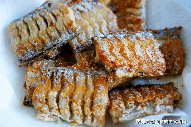 Cách làm món cá kho sốt cay, đơn giản mà ăn không bao giờ thấy chán, nhất là vào mùa mưa - 3